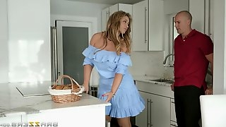 Curvy wife Eva Notty pounded by her neighbor for a welcome