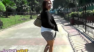Amateur Filipina Sharmaine gives her head and allows to penetrate pussy