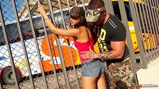 Slutty chick from Barcelona Sasha Jones gets intimate all round one brutal guy